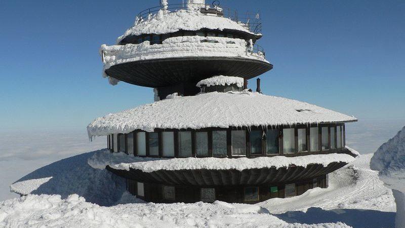 Zimą w szortach na Śnieżkę