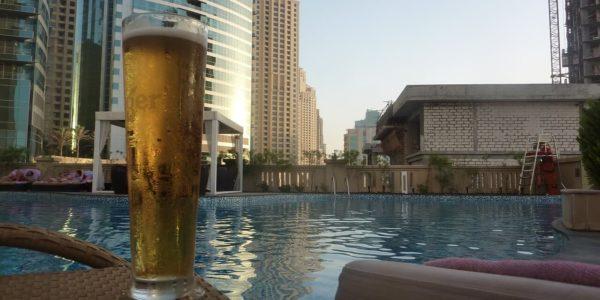 piwo na basenie